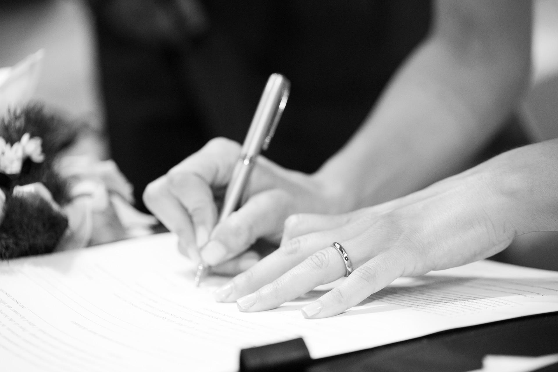 la firma della sposa