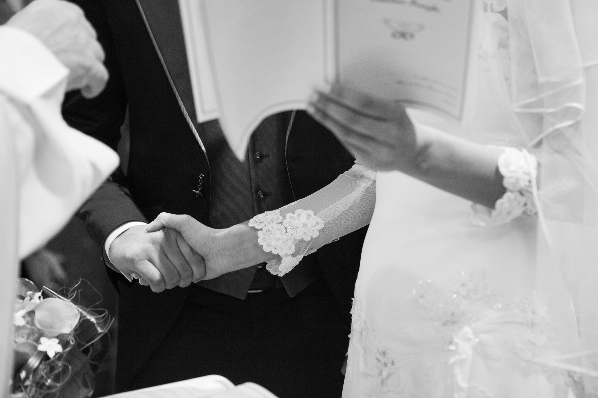 il libretto del matrimonio durante il rito