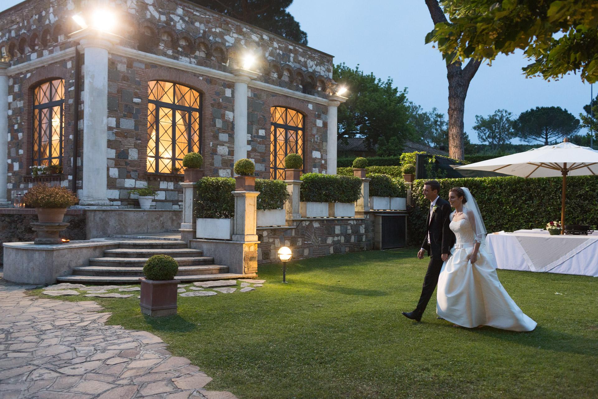 gli sposi alla Villa dei Cesari