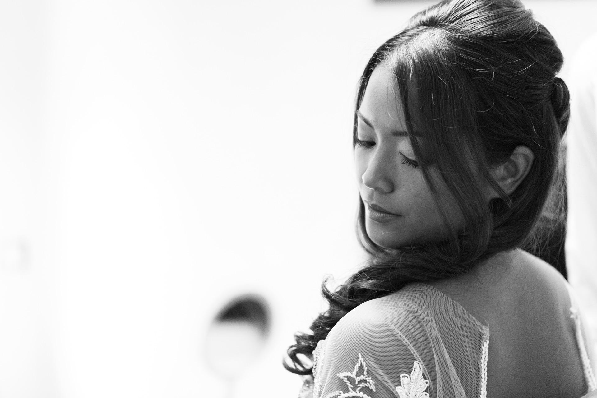 un'occhiata al vestito della sposa