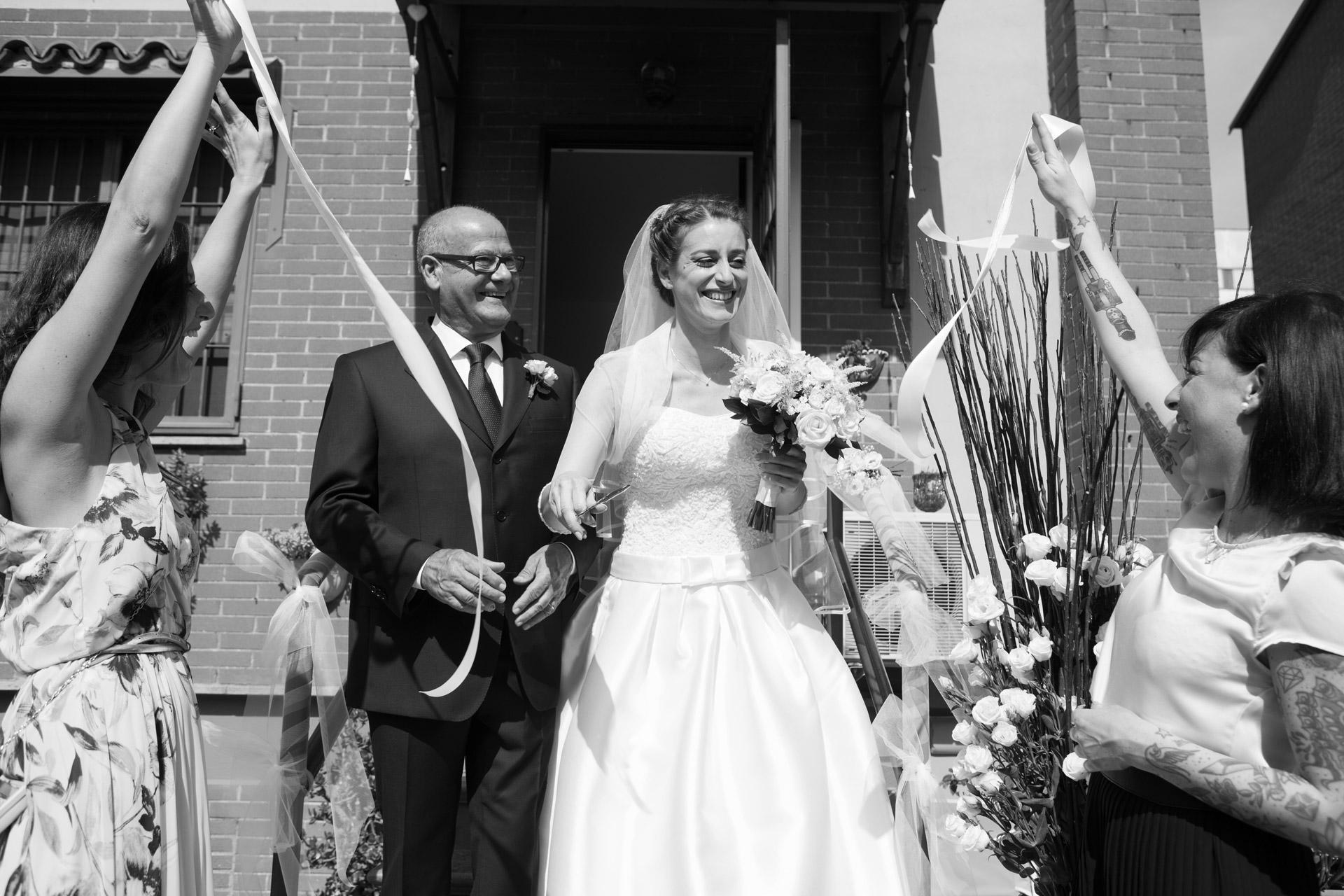 taglio del nastro della sposa