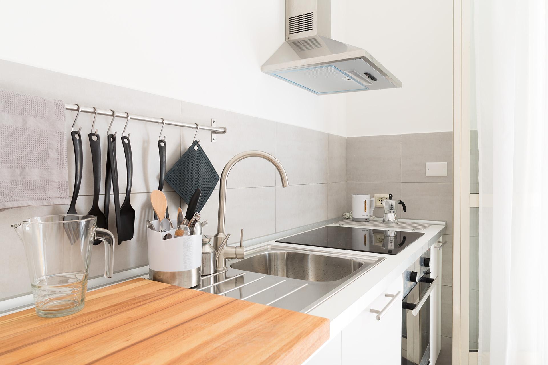 Fotografia d'interni: cucina della casa vacanze Home Inn Rome. copyright © _nf