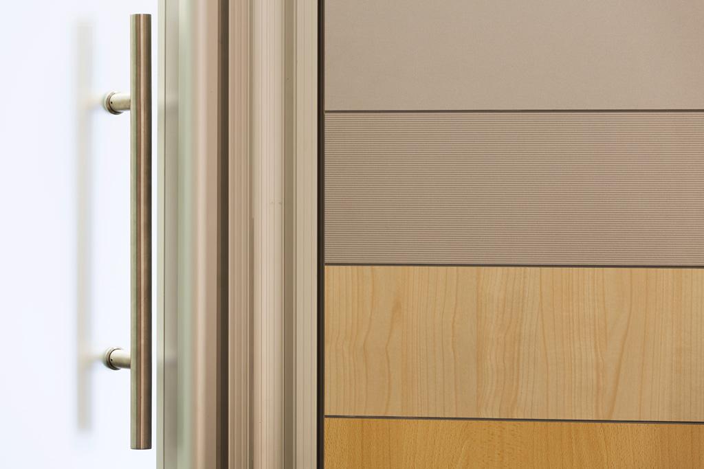 Fotografia d'interni: sala riunioni 432 professionisti, dettaglio parete. copyright © _nf