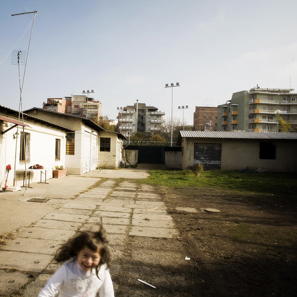 Reportage: Paesaggi marginali. Romanes a Roma. copyright © _nf