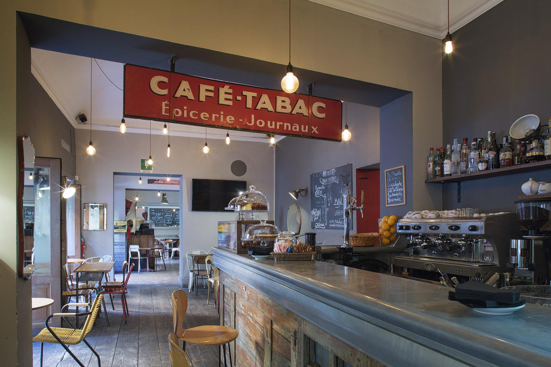 Fotografia d'interni: il bar del Bar del Fico, Roma