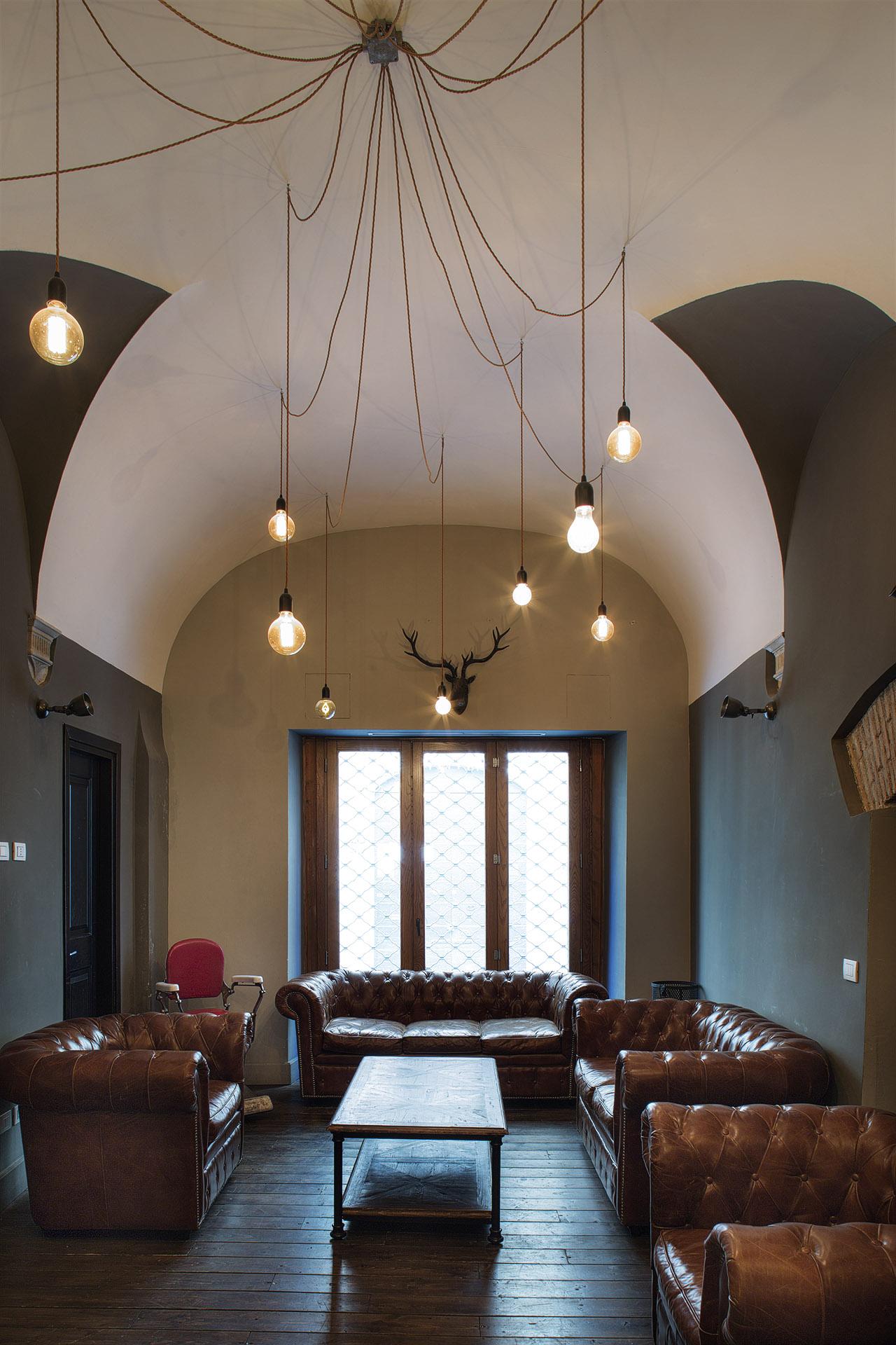Fotografia d'interni: lounge al Bar del Fico, Roma