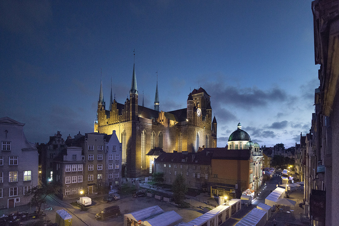 Gdansk - Basilica of the Assumption of the Blessed Virgin Mary by night - viaggiare in Polonia