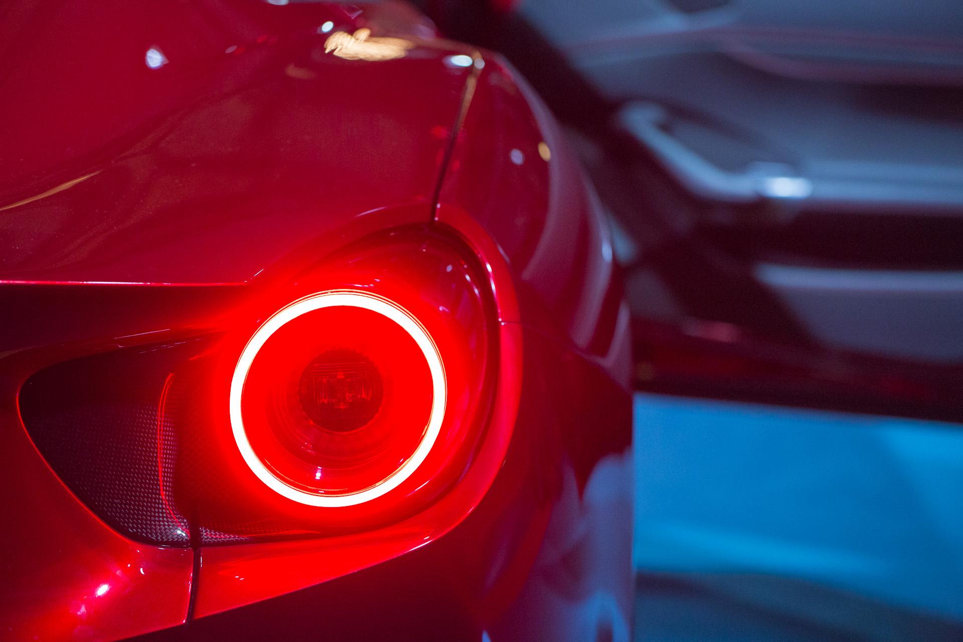 Dettaglio della Ferrari Portofino, faro posteriore