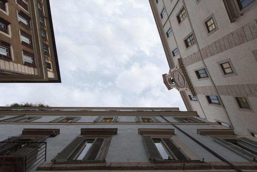 _nf - Low Angle View - Roma - Piazza Del Monte Di Pieta
