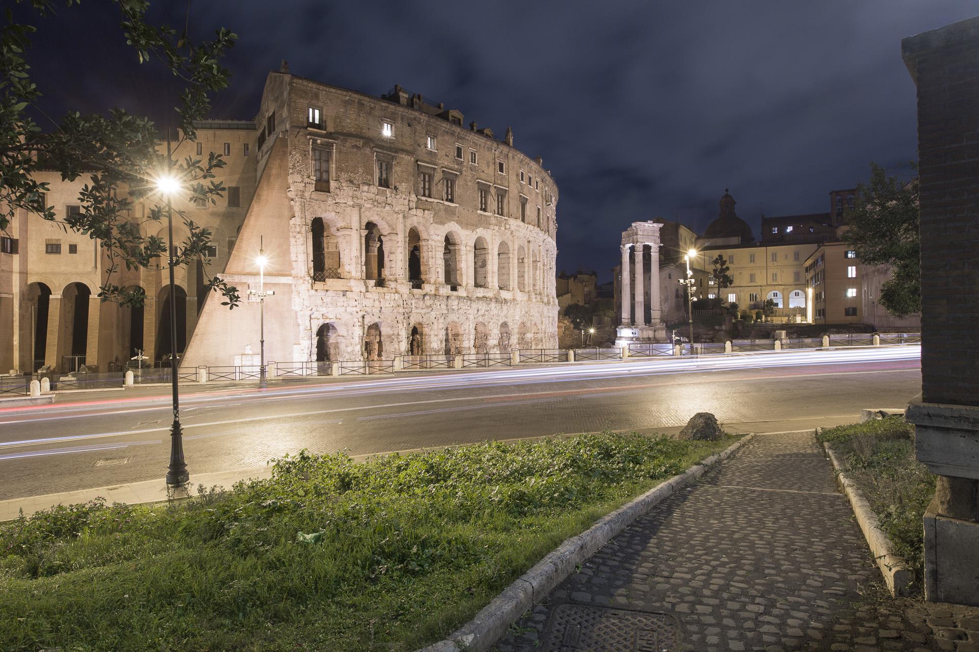 _nf - Roma Teatro Marcello e Portico Di Ottavia lunghe esposizioni