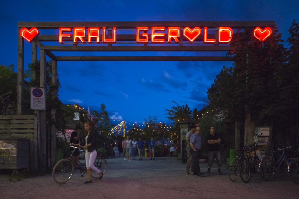 _nf - Zurigo Prime Tower Frau Gerold